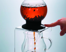 Infusor de Té Dripper Largo Hario Two Leaves Tea